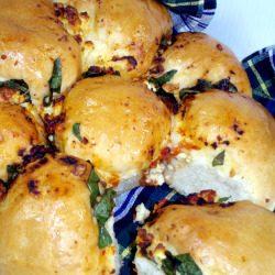 Spinach, Fetta and Semi-Dried Tomato Pull-Apart Bread