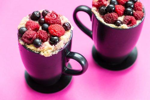 ricotta raspberry mug cake